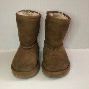 UGG Toddler Classic Boots Authentic Size 6